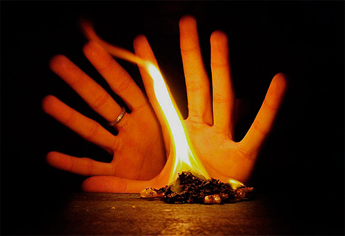 При проведении магических обрядов используют различные атрибуты