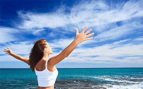 Многие сонники связывают уничтожение моли во сне с радостью и процветанием в реальной жизни