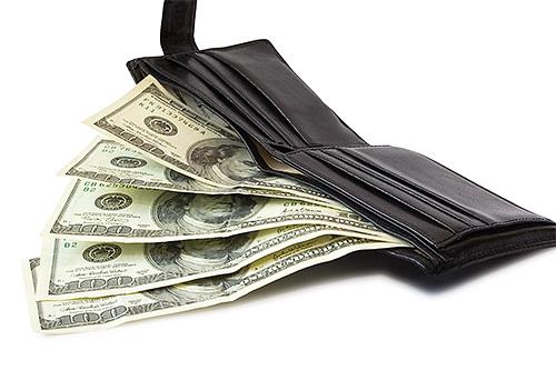 Одно из поверий говорит о предстоящих финансовых растратах, если на голове появляются вши