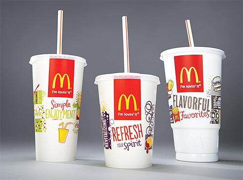 Для приготовления ловушки от клопов своими руками понадобятся два стакана из Макдональдса разного размера