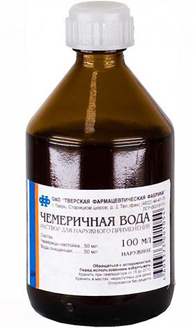 Чемеричная вода эффективна для уничтожения вшей, но довольно токсична при попадании в желудок.