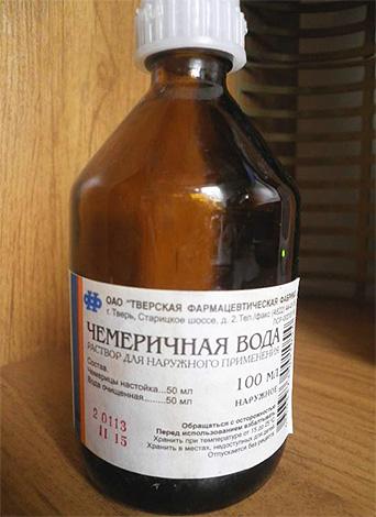 Такой препарат от вшей, как чемеричная вода, может вызвать серьезное отравление у человека при попадании внутрь.