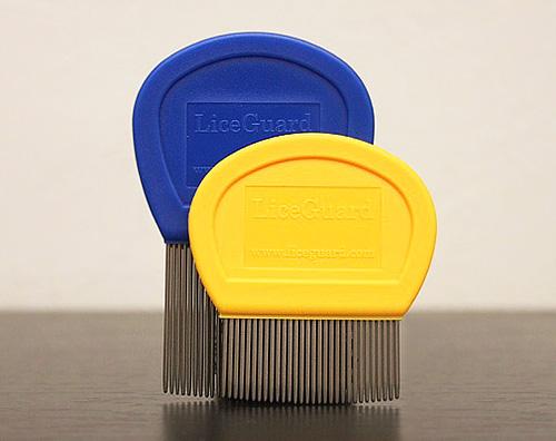 В одной упаковке находится сразу два гребня LiceGuard для разных типов волос