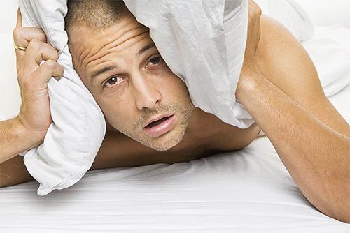 Бессонные из-за укусов клопов ночи становятся причиной нервозности днем.