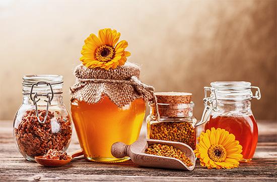 С точки зрения современной медицины далеко не все продукты пчеловодства настолько полезны, как об этом принято считать в народе.
