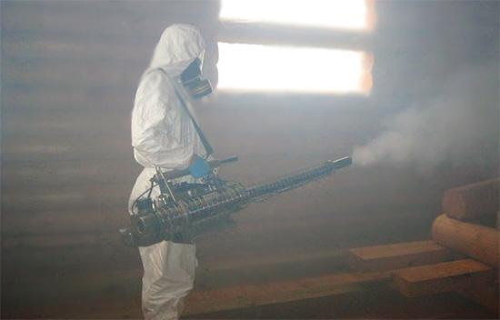 Обработка помещения от насекомых методом горячего тумана.