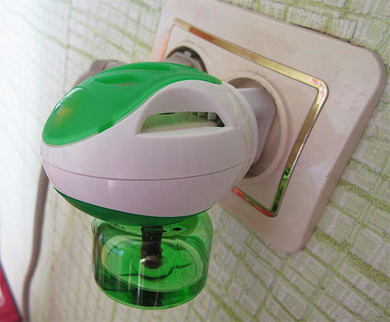 Светодиодный прожектор светится при выключенном выключателе