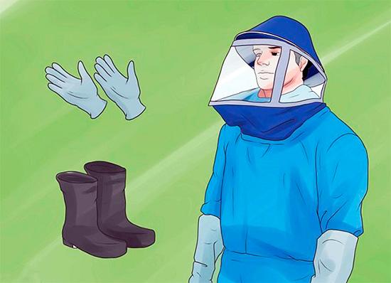 При выведении ос в целях безопасности следует одевать плотную одежду, перчатки и маску пчеловода.