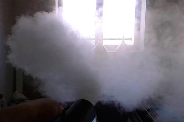 Одной дымовой шашки Самуро достаточно для уничтожения клопов в помещении площадью до 300 кв. м.