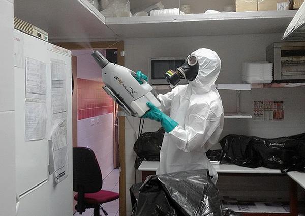 В форме тончайшего аэрозоля инсектицид способен проникать в самые труднодоступные места, где могут прятаться вредители.