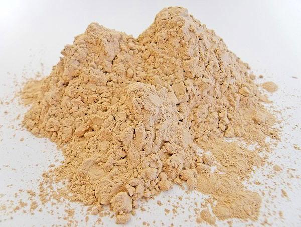 Диатомит - горная порода, использованная в качестве действующего вещества препарата Гектор от ползающих насекомых.