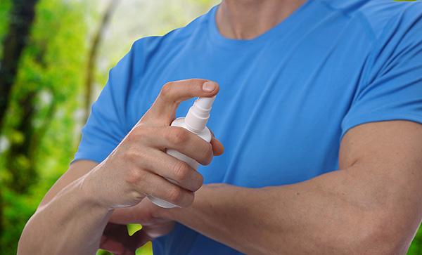 Большинство средств позволяют не только защищаться от нападения клещей, но и предотвращают укусы комаров.