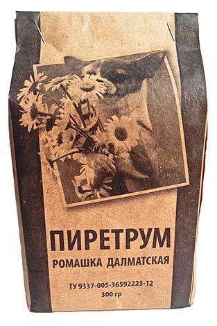 Порошок Пиретрум из цветков ромашки далматской.