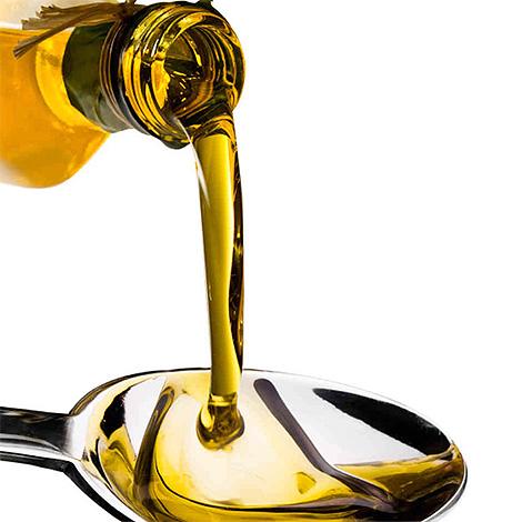 Для приготовления керосиновой смеси для уничтожения вшей понадобится оливковое или другое растительное масло