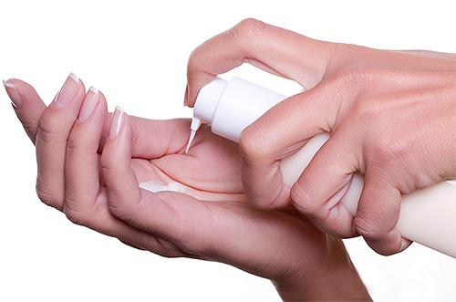 Педикулицидные кремы представлены в удобной лекарственной форме