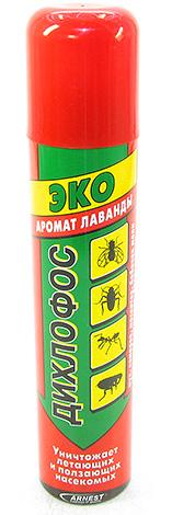 Шершней в гнезде можно уничтожить с помощью полиэтиленового пакета, куда набрызган, например, Дихлофос