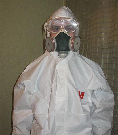 При уничтожении клопов горячим туманом необходимо строго соблюдать все меры безопасности