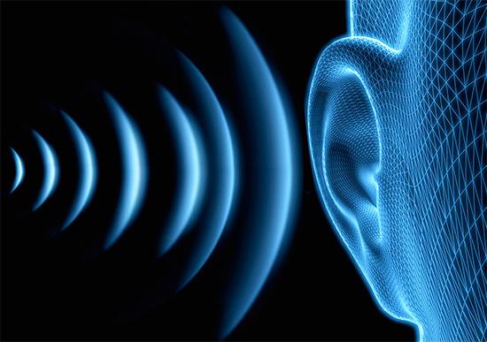Даже будучи неслышим, ультразвук воздействует на органы слуха человека, и при высокой мощности способен вызывать головную боль.