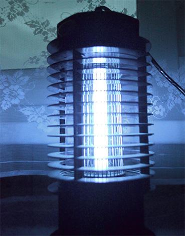 Ламповый уничтожитель весьма эффективен против летающих насекомых.