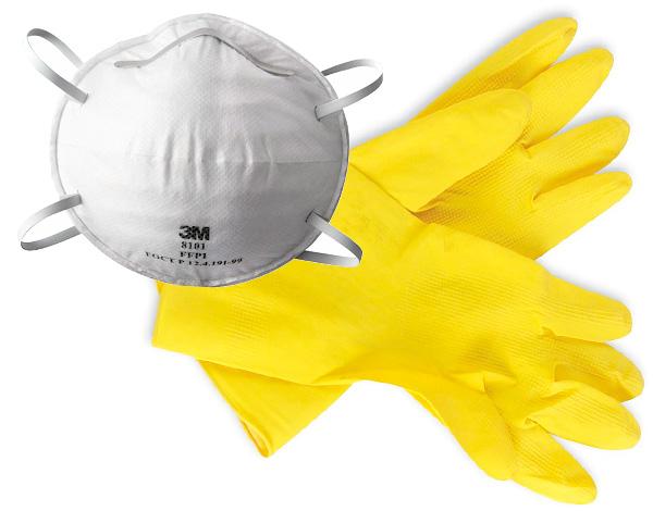 При работе с инсектицидами важно пользоваться средствами индивидуальной защиты.