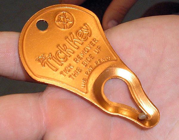 Удалитель клещей Tick Key