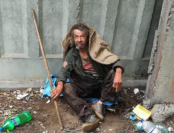 Нередко бельевые вши встречаются у бездомных людей.